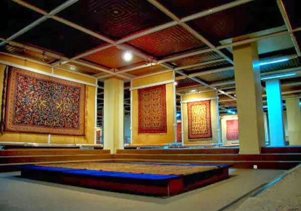 11-national-carpet-museum-iran